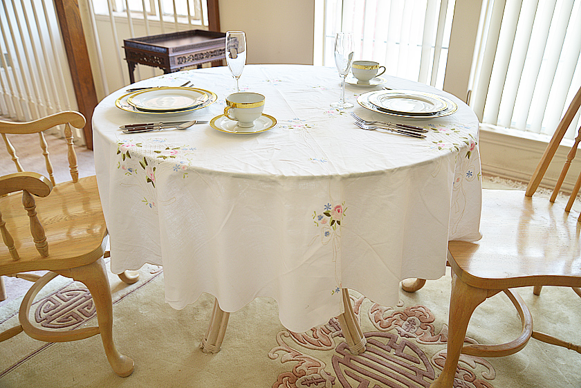 rose embroidery round tablecloth