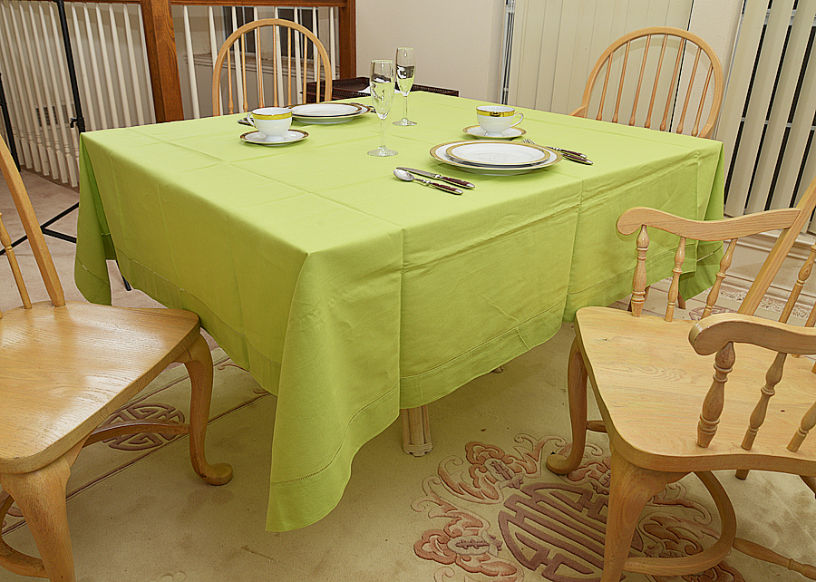 """Hot green colored 70""""square tablecloth"""