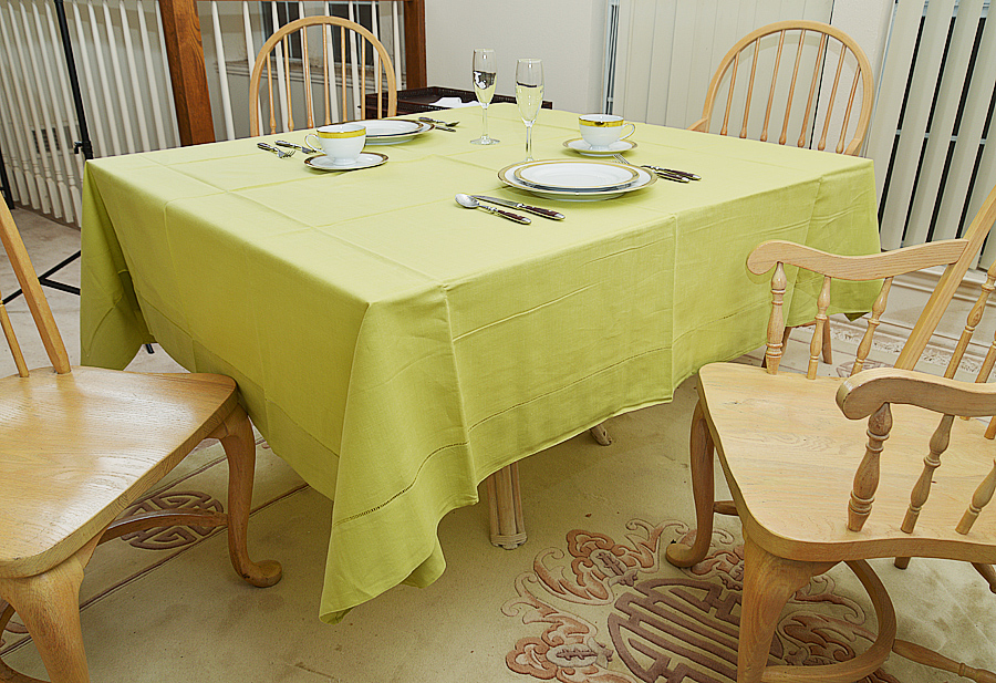 """mellow green colored square tablecloth. 70""""square tablecloth"""