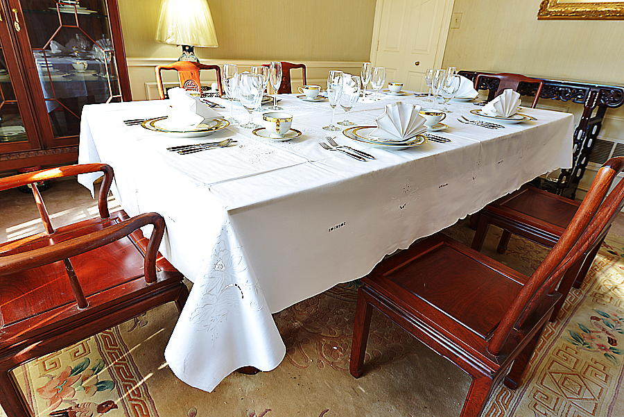Rectangular Tablecloth. Fine Embroidered.