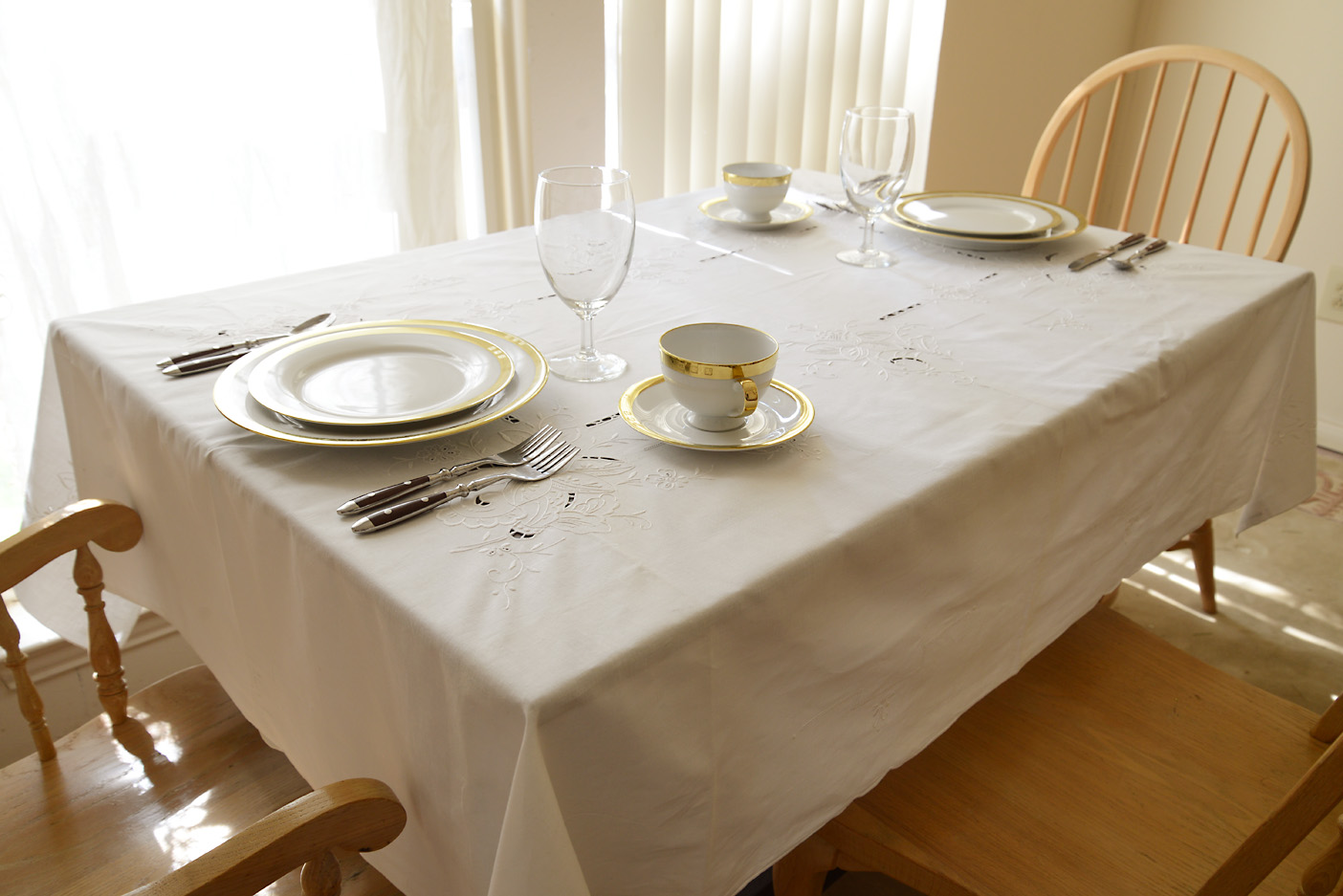 hand embroidered tablecloht, kitchen tablecloth